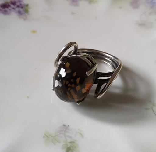 טבעת כסף ואבן חומה