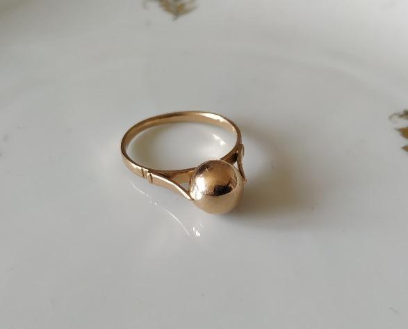 טבעת זהב כדור