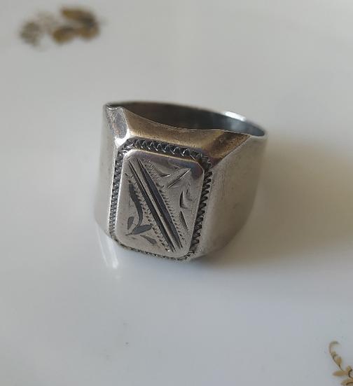 טבעת כסף לגבר עם חריטות