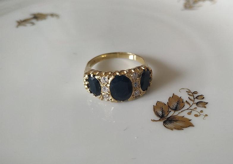 טבעת זהב עםספירים וזירקונים