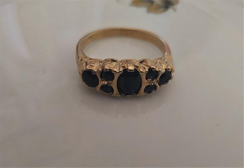 טבעת זהב וספירים