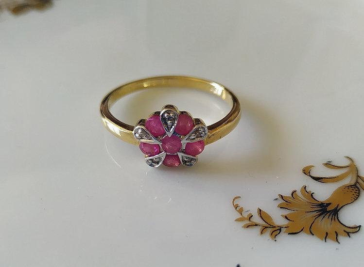 טבעת פרח רובי ודיאמנטים