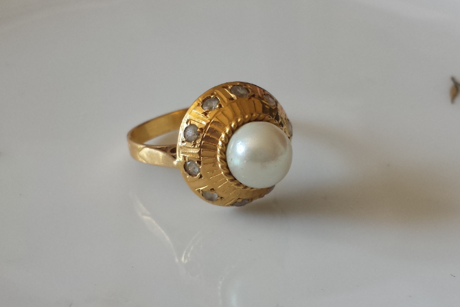 טבעת זהב פנינה וזירקונים