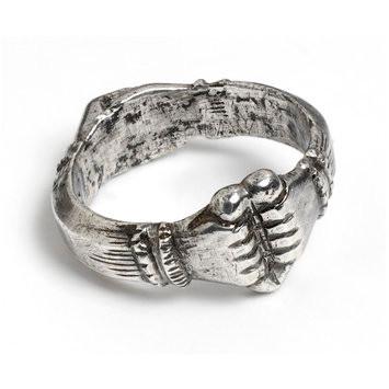 """טבעת """"נאמנות"""" מהמאה ה-15, איטליה. מאוסף מוזיאון ויקטוריה ואלברט בלונדון"""