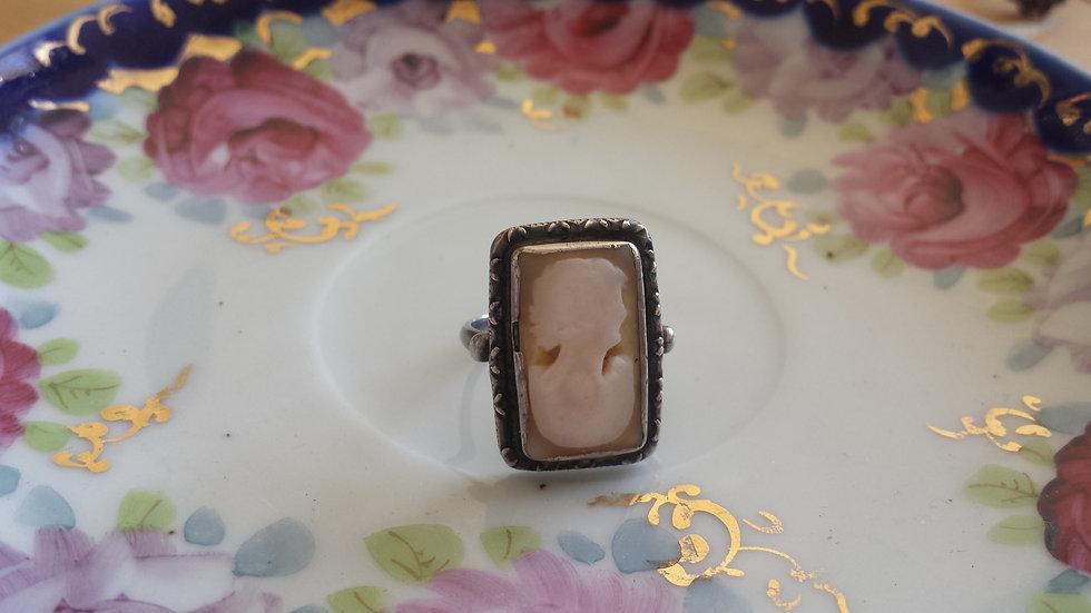 טבעת כסף וקמיאו