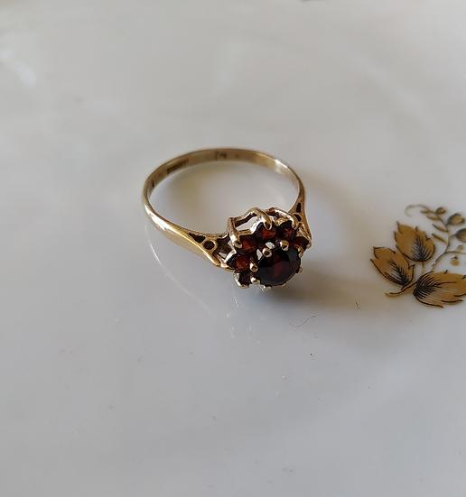 טבעת זהב פרח גרנטים