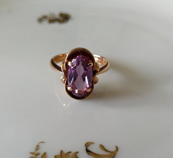 טבעת זהב וספיר סגול