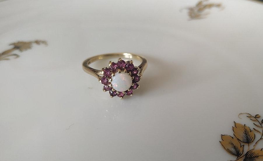 טבעת זהב אופל ורובי