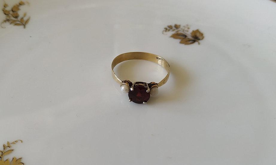 טבעת זהב גרנט ופנינים