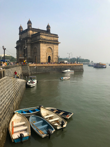 Boats at the Gateway of India.jpg