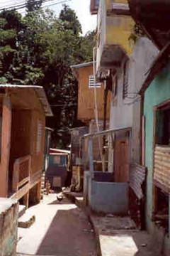 El Peligro Community in 2000