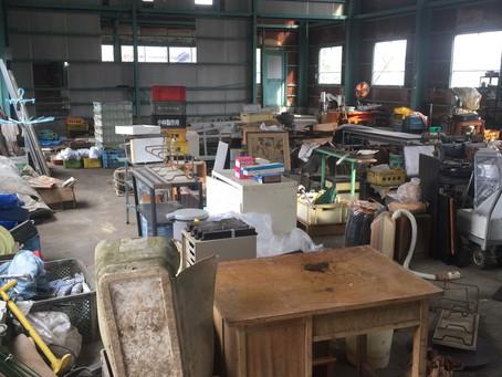 燕市内での工場片付け作業