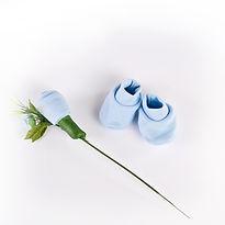Regalos de nacimiento, ajuares en forma de bouquet para babyshower, Baby flowers, bouquets, flores con ropa de bebe para ajuar, bautismo, souvenir, ropa de bebé, ajuares de bebé originales, souvenirs para babyshowers, souvenirs hecho con medias de bebe.