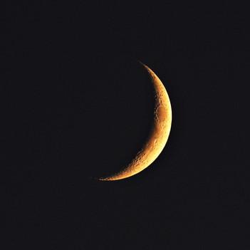 Lune au coucher de soleil