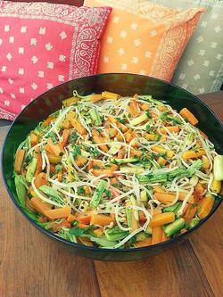 Broto de feijao com legumes.jpg