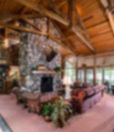 Log Cabin Resort - Lake Charlevoix - Pic