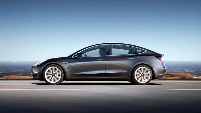 Photo Tesla 3.jpg
