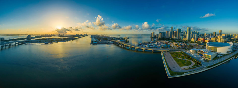 panorama-of-city-and-sky-in-miami-florid