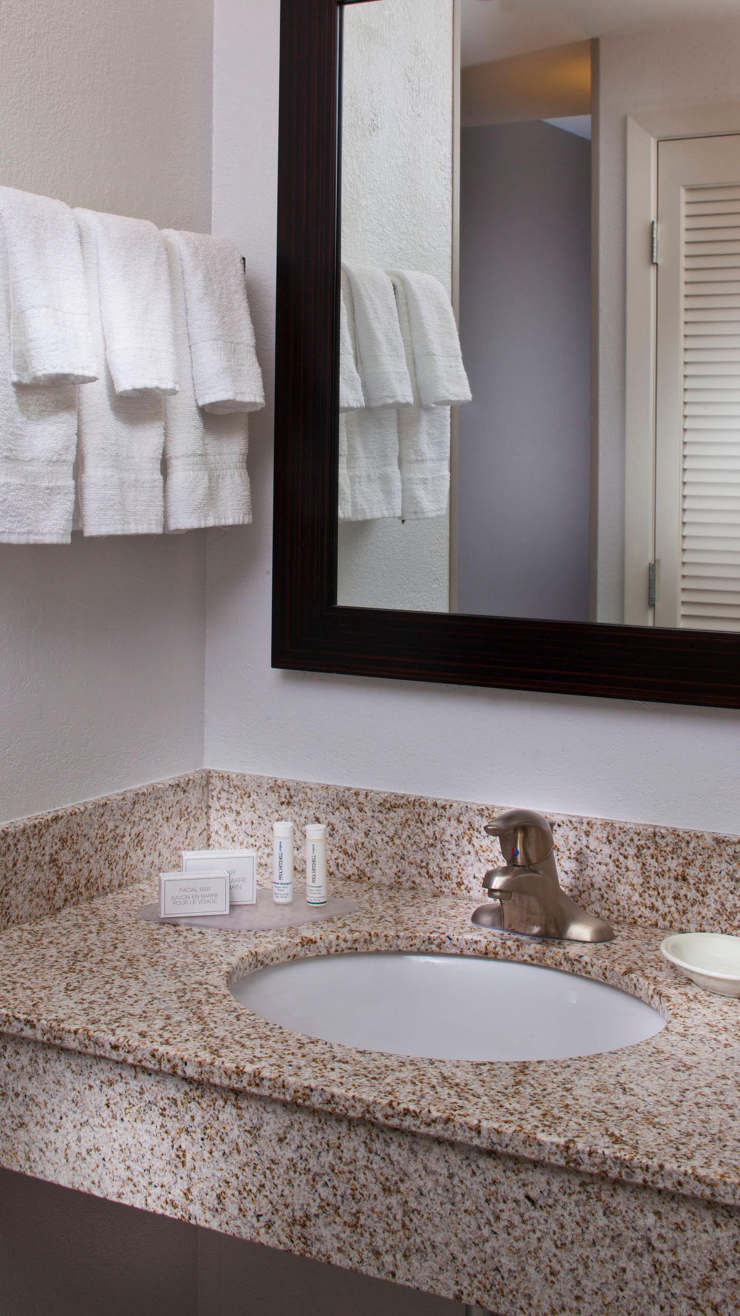 msycm-bathroom-0047-ver-wide