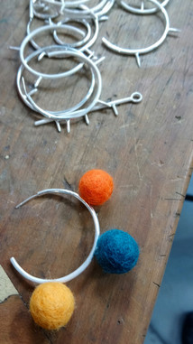 Jewellery production at the bench