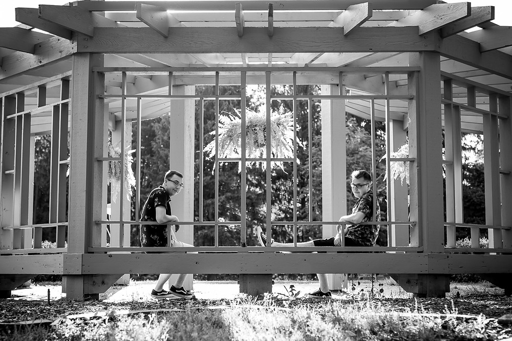 twin senior boys at Inniswood for their senior session in black and white