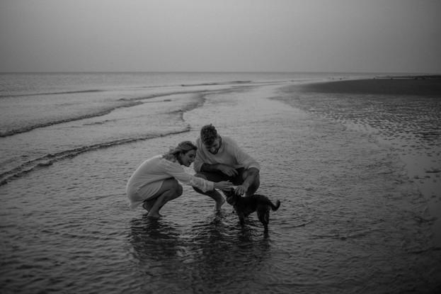 Emmy-shoots-beach-30.jpg