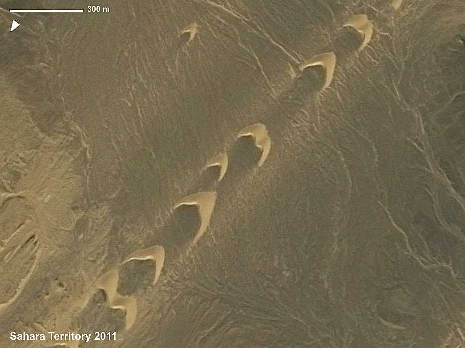 barchan dunes.