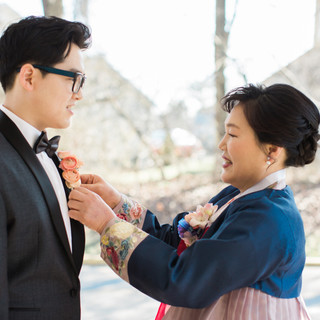   mother's makeup & hair, groom's touch-up & hair   photo by Taeck Jang Photography  
