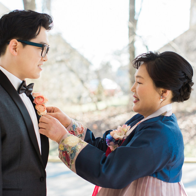 | mother's makeup & hair, groom's touch-up & hair | photo by Taeck Jang Photography |