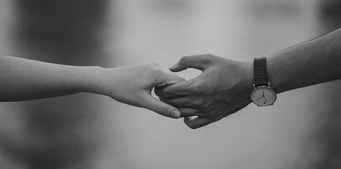 affection-black-and-white-couple-1004014