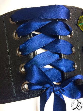 Ribbon Closure for easy removal