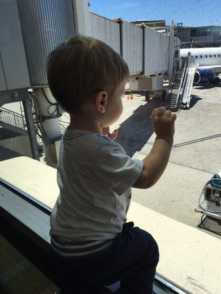 How to Stay Sane While Traveling with Tots