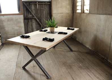 X Leg ith Solid Oak top with Dressing Si