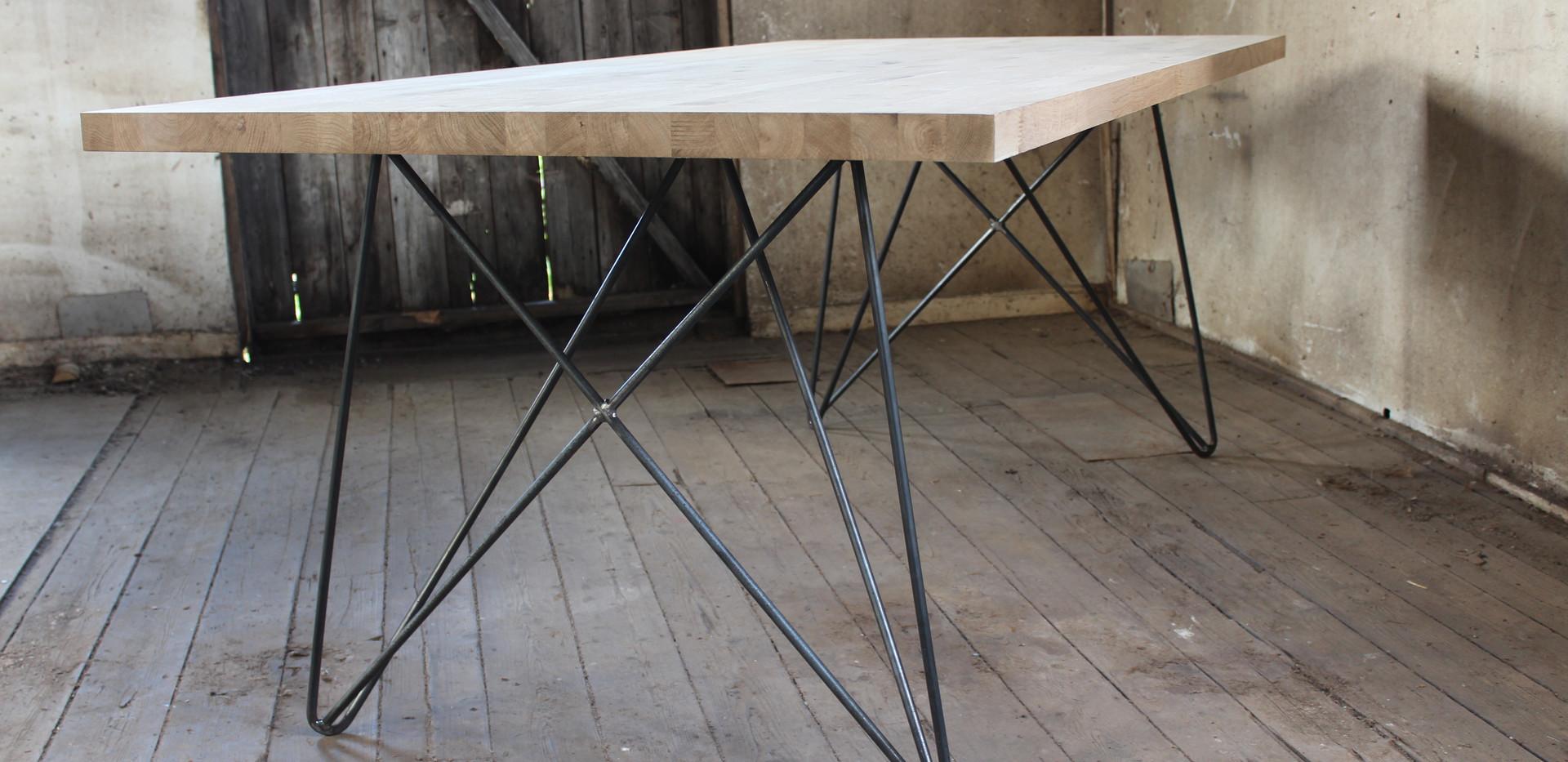 Space Leg Table