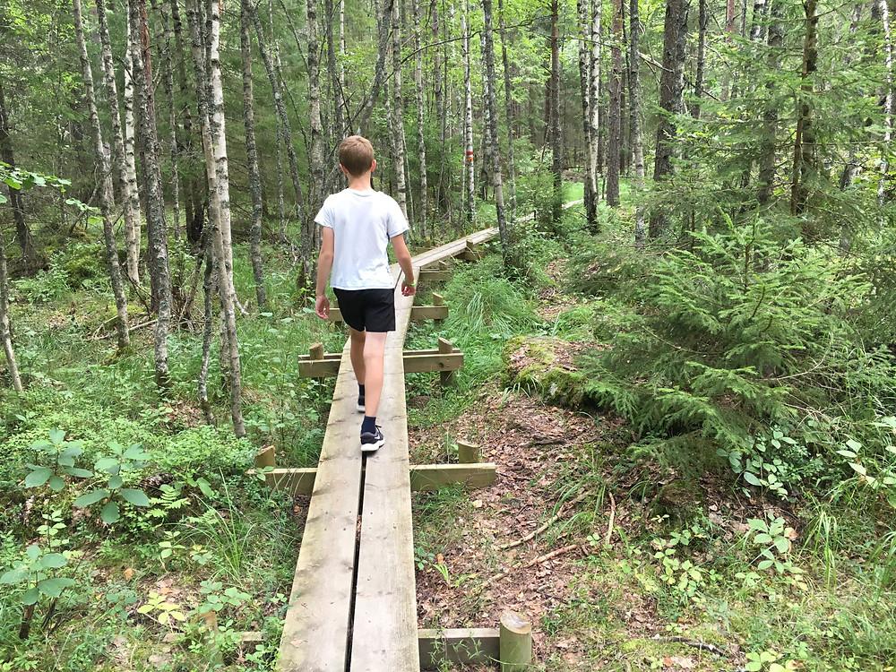Fru ResGlad på utflykt i Storskogen i Storvreta