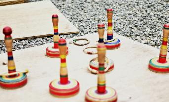 バザーやイベントで簡単に用意できる輪投げ・射的のセットです。