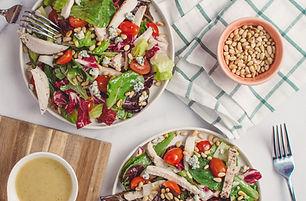 低カロリーのサラダ