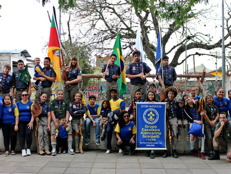 Escoteiros participam do Desfile de Aniversário de Viamão