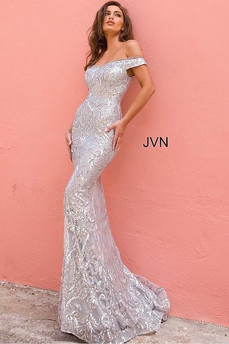 Off the Shoulder Sweetheart Neckline Gown