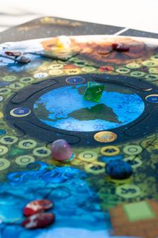 tabuleiro do jogo da carta da terra.jpg