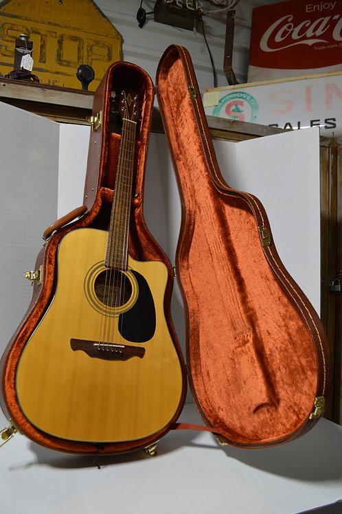 Alvarez Acoustic-Electric Guitar Model RD8C with Case