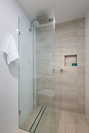 Main ensuite forest shower