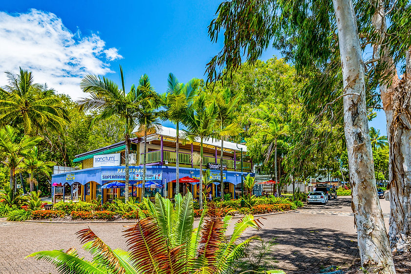 Local shop and Restaurant Palm Cove