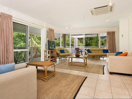 Palm Cove Accommodation scores a great review for its Palm Cove Penthouse.