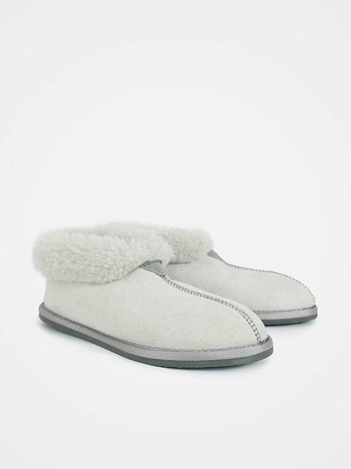 Ladies' Sheepskin Bootee Slippers in Winter White