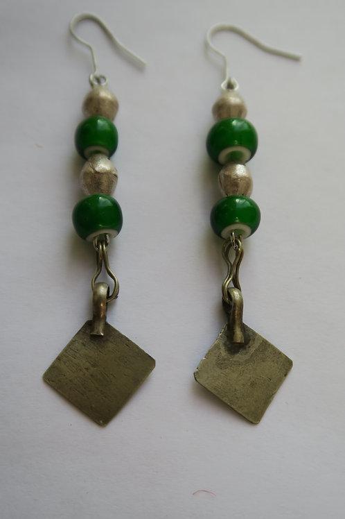 Long nomadic earrings green