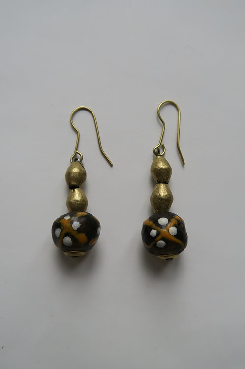 Brown recycledglass earrings with brass details