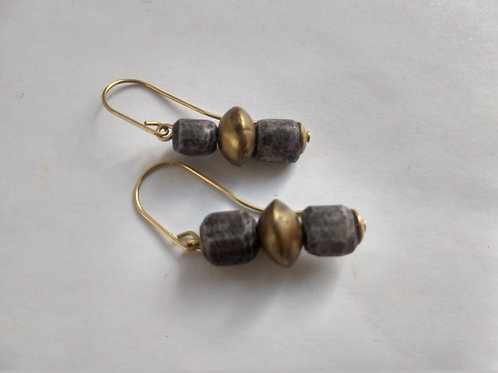 Small saucer earrings
