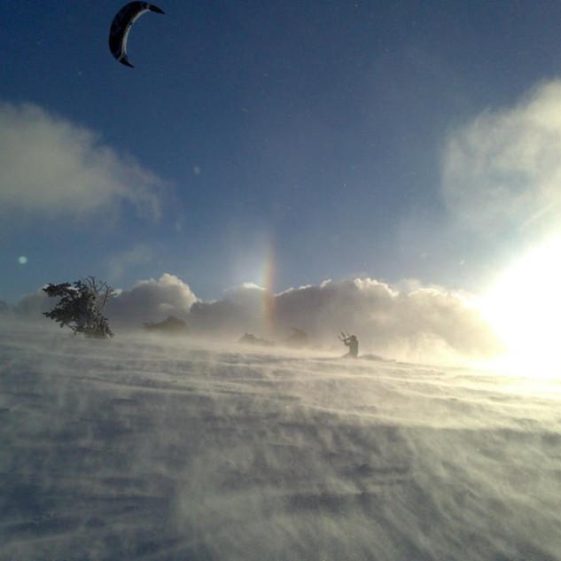 kite dans le vent.jpg