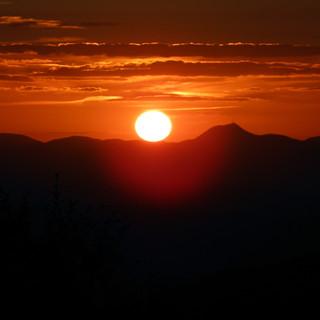 coucher de soleile sur le puy de dome.jp